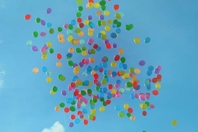 balloons-1835902_640